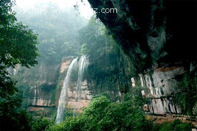 燕子岩森林公园由南园和北园组成图片